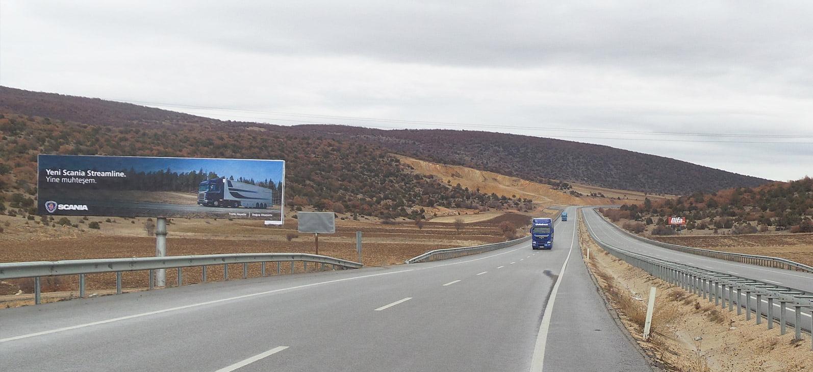 yol-panosu-billboard_reklam
